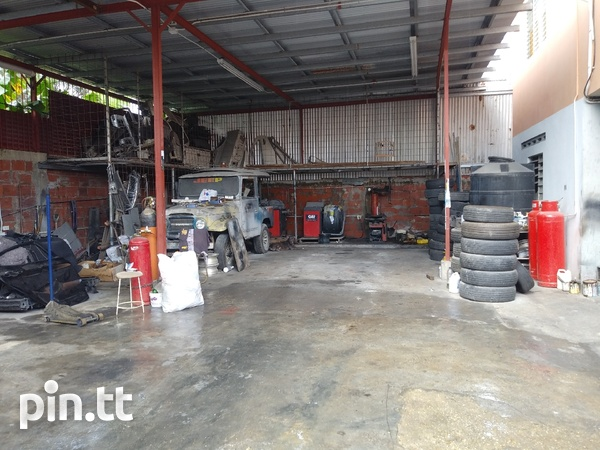Well equipped Circular rd Belmont tyre shop-2