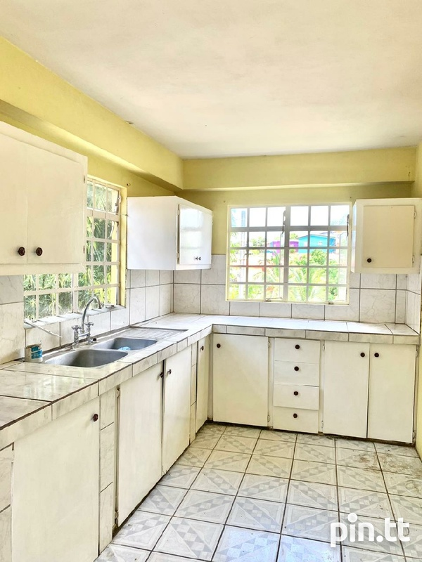 THREE BEDROOM APARTMENT, NICHOLAS VILLE, BARATARIA-1