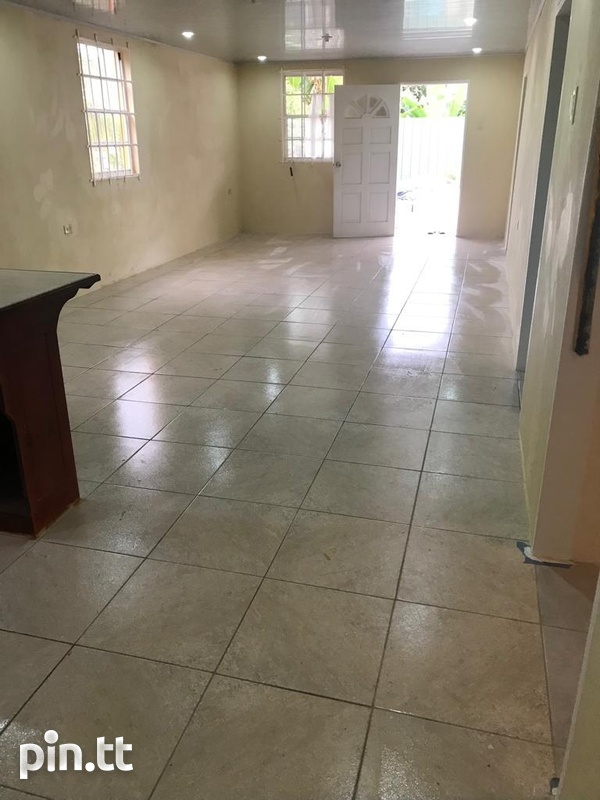 2 Bedroom Apt South Oropouche Bay Vue 2mins from Highway.-4