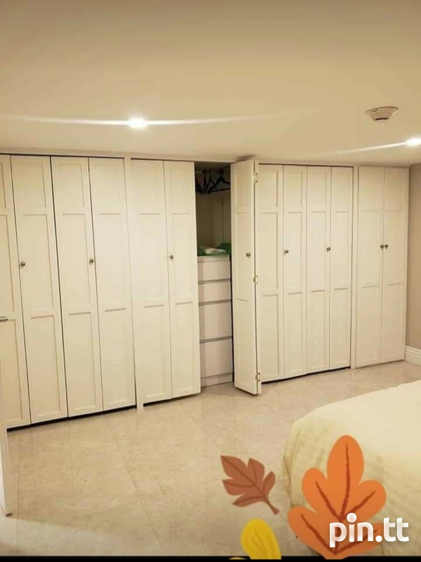 One Woodbrook Place. 2 Master Bedroom. Executive Apartment.-10