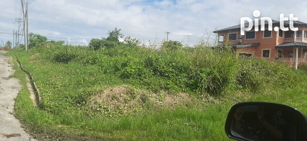 Beautiful 10,000sq.feet residential land-3