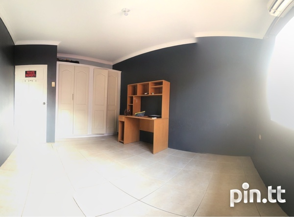 Arima Townhouse with 3 Bedrooms-4