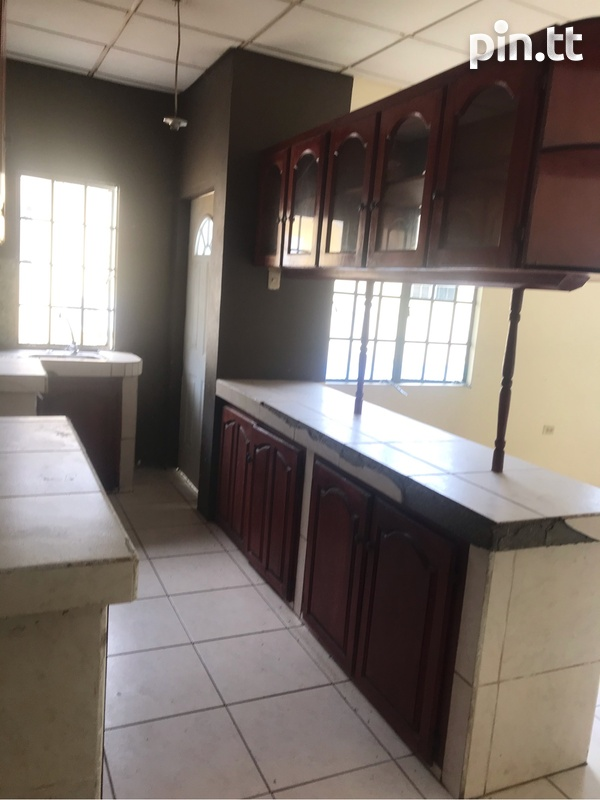 2 Bedroom Apartment in Claxton Bay-1