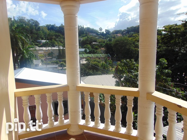 CASCADE UNFURNISHED 2 BEDROOM APARTMENT-1