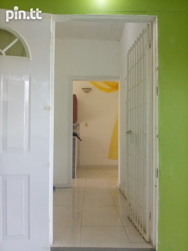 Spacious 2 Bedroom Central Apartment-3