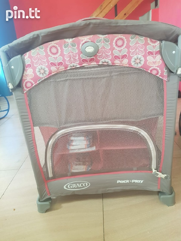 graco playard with changing station-4