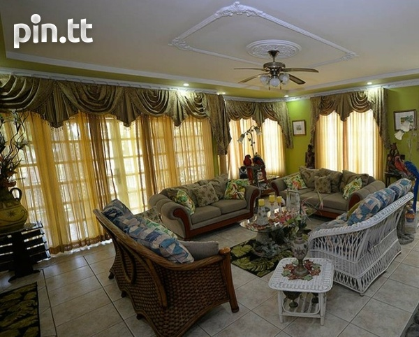 BEAUTIFUL 3 BEDROOM HOUSE, PARK VIEW CRESCENT, TRINCITY-5
