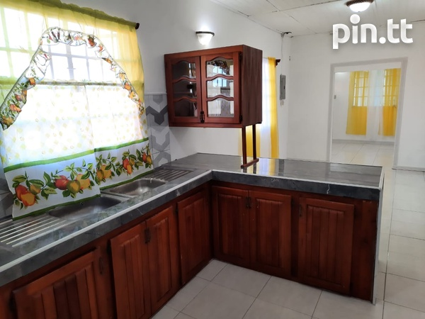 Spacious 2 Bedroom Central Apartment-5