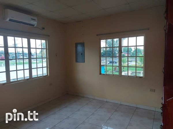 3 Bedroom Apt Next to Cheif Brand, Charliville-10