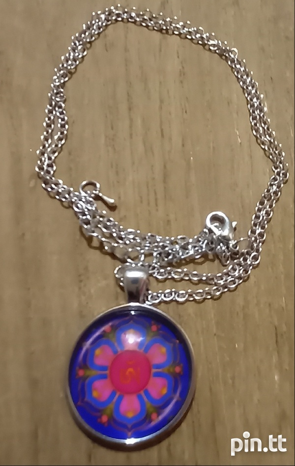 Glass Dome Hindu Sign Pendant and chain-4