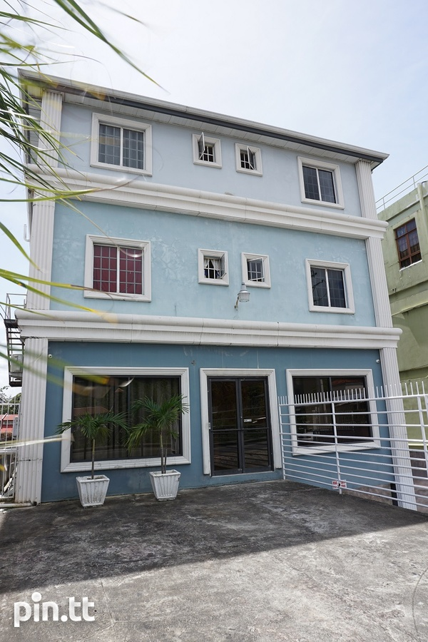 1 Bedroom Apartment On the Main Road in Tunapuna-10