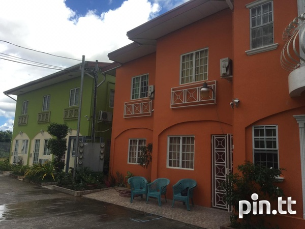 EXQUISITE TOWNHOUSES WITH 2 BEDROOMS-3