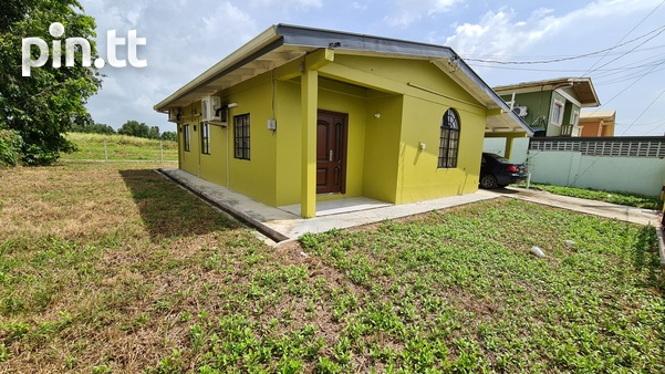 3 Bedroom house Couva, Roystonia quiet, residential, secure.-2