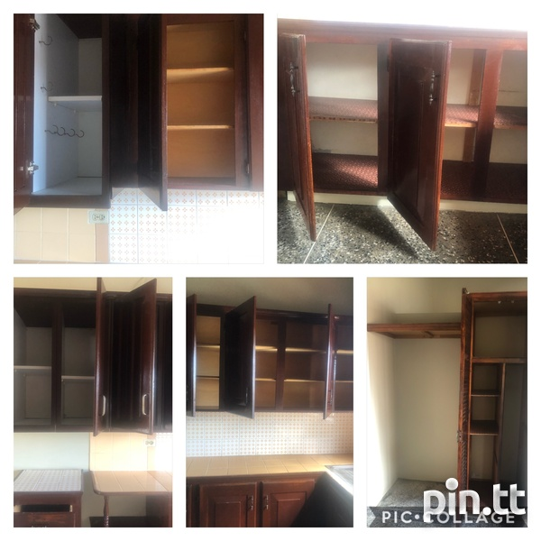 Upstairs 3 Bedroom Apartment-4