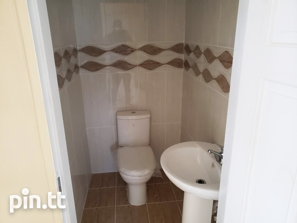 Brand New Spacious 3 Bedroom Townhouse-3