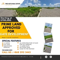 Large plots available in Carapichiama