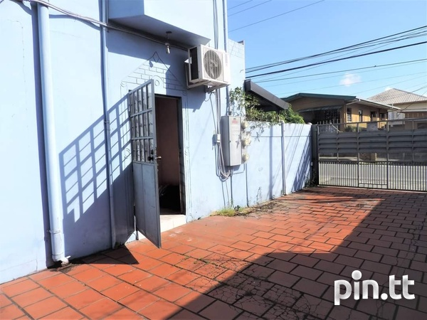 Spacious 1 Bedroom Unfurnished Apartment El Socorro For Single Person-1