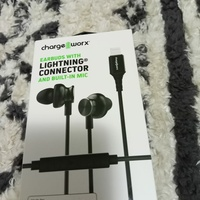EARBUDS WITH LIGHTING CONNECTOR AND BUILT-IN MIC