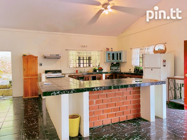 8 BEDROOM HOUSE ON 5 ACRES - ACONO, MARACAS - Payment Plan Available-3