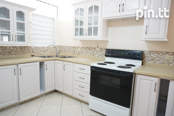 Highpoint Townhouse with 2 Bedrooms, Westmoorings-4