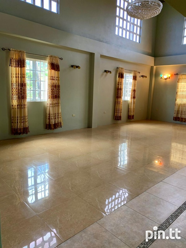 5 Bedroom 2 Storey Investment House-3
