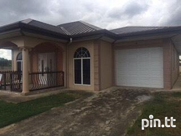 Large 3 Bedroom 2 Bath House in St Helena-1