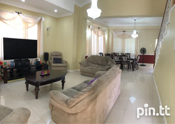 Palm View Gardens House with 4 Bedrooms-2