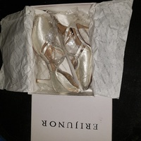 Womens wedding shoes size 10