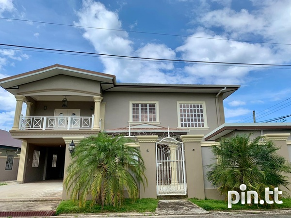 5 Bedroom 2 Storey Investment House-1