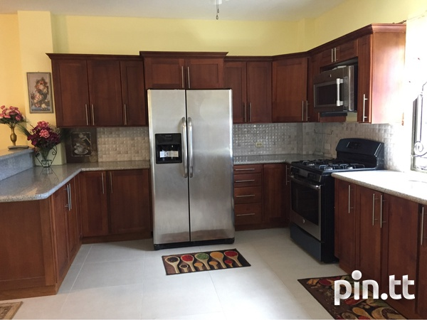 Valsayn North Townhouse with 3 bedrooms-3