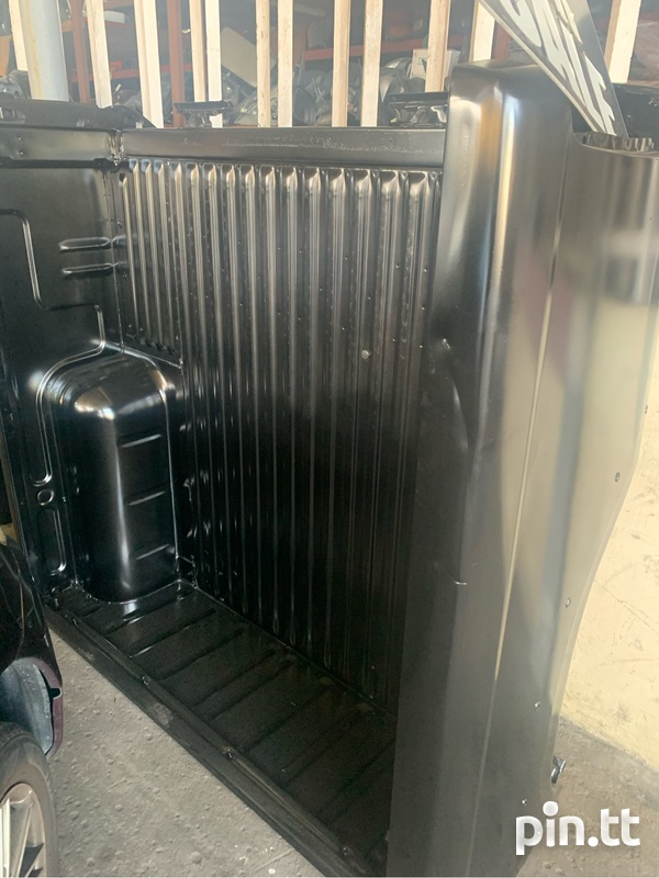 Nissan Frontier Tray-2
