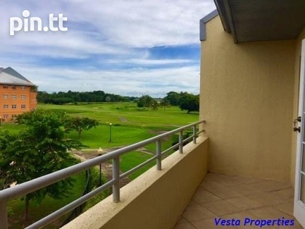 East Gate On The Greens 3 Bedroom Apartment-8