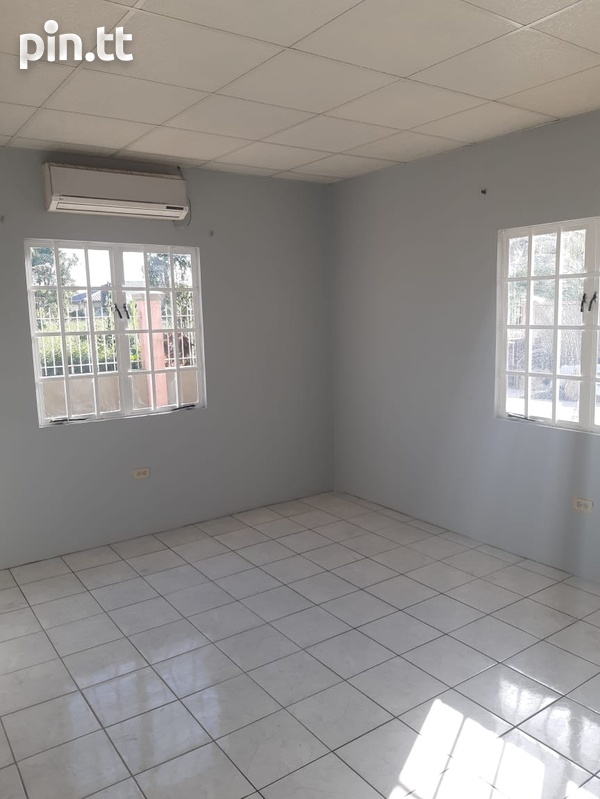 Chase Village House with 3 Bedrooms 3 Baths-4