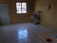 Very spacious 1 bedroom apartment unfurnished