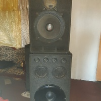 18 and 15inch Speakers in box