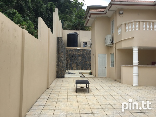 Majestic 4 Bedroom Hololo Heights Home-3