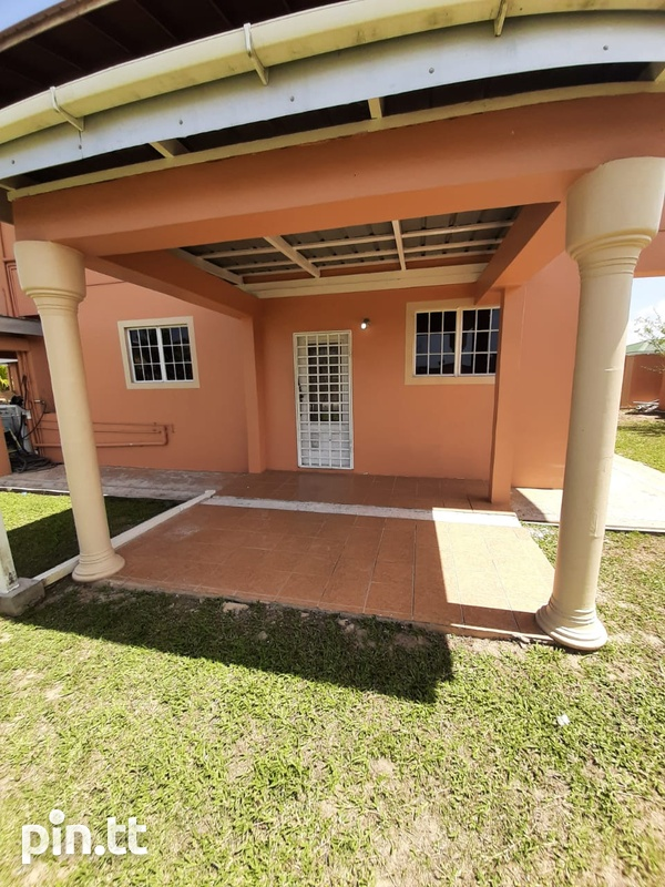 Unfurnished 2 bedroom apartment in Roystonia behind Couva Convent.-6