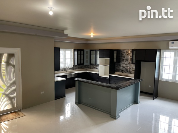 BEAUTIFUL HOME WITH 3 BEDROOMS LANGE PARK-4