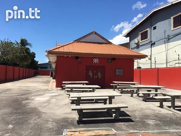 CURUPE COMMERCIAL SPACE AVAILABLE - IDEAL FOR FOOD OUTLET-2