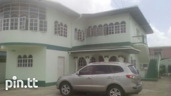 Arima house with 4 bedrooms-5