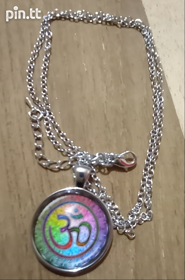 Glass Dome Hindu Sign Pendant and chain-1