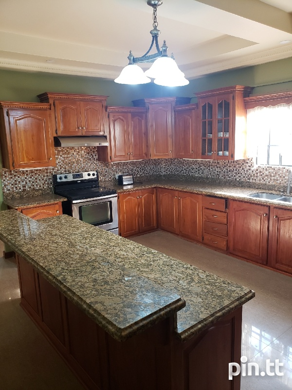 Executive Fully furnished 3 Bedroom Townhouse-3