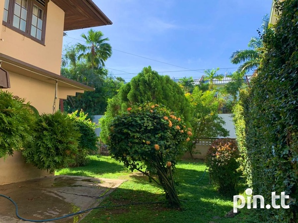 4 BEDROOM CHAMPS ELYSEE, EARLY MARAVAL HOUSE-6