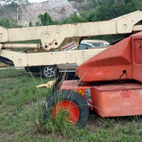 JLG 45e lift 48 volt electric 45 ft high , working but need batteries