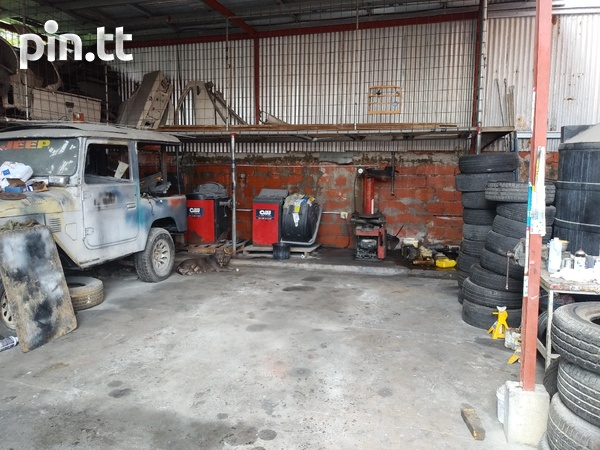 Well equipped Circular rd Belmont tyre shop-6