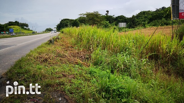 7.5 Acres along the South Bound Lane of the SH H/way- Claxton Bay-1