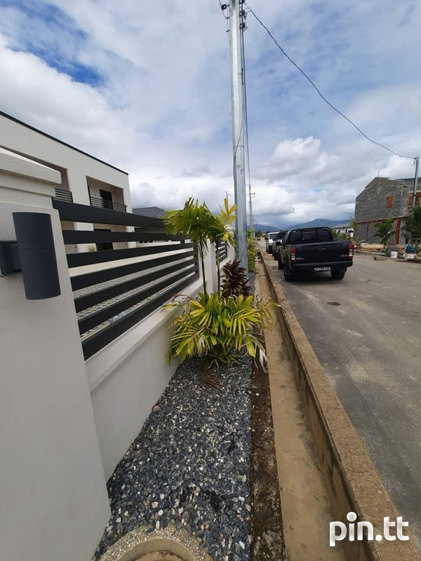 Cunupia Modern Townhouses with 3 Bedroom-15