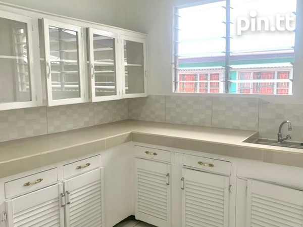 UNFURNISHED TWO BEDROOM APARTMENT BARATARIA-2
