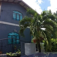 2 bedroom 1 bath house located in Lillian Heights