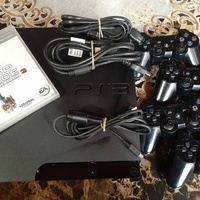 160GB PS3 System With 4 Controllers + New Game